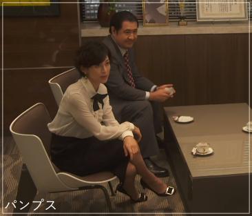 SUITS/スーツ[3話] 鈴木保奈美の服のファッション!ピアスにブラウスもa4