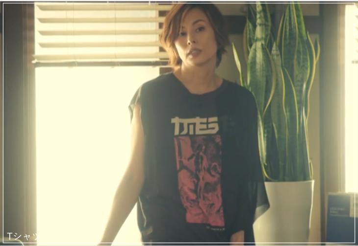 リーガルV[2話]米倉涼子の服のブランド!Tシャツにアクセサリーも!a1
