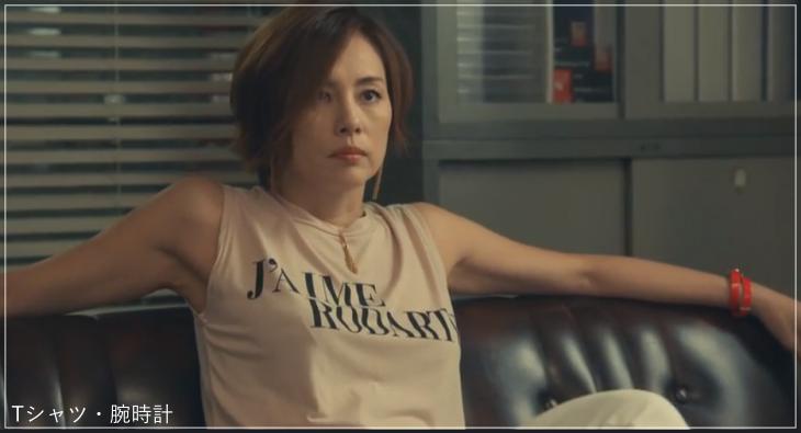 リーガルV[2話]米倉涼子の服のブランド!Tシャツにアクセサリーも!a10