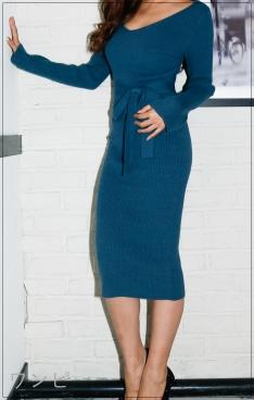 スーツ[8話] 中村アンの衣装のコーデがかわいい!ニットにピアスも!noname2