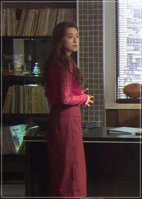 スーツ[10話] 中村アンの衣装!ピアスにワンピースやブラウスも!a9