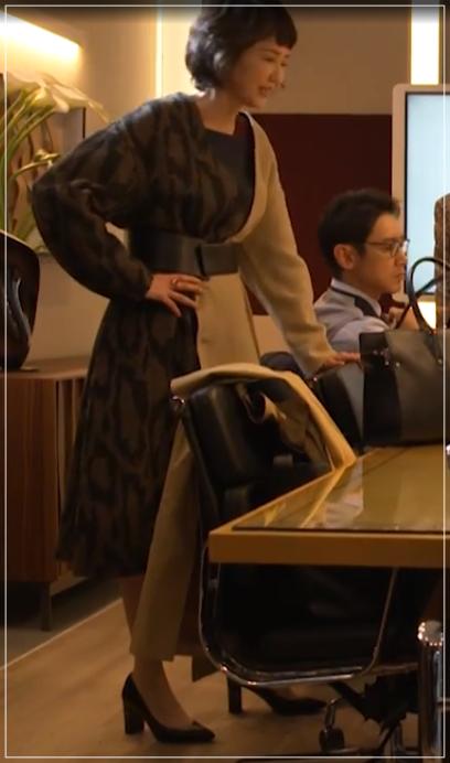 グッドワイフ[1話]賀来千香子の衣装!洋服やファッションのブランド!14