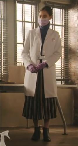 トレース[3話]新木優子の着用のファッション!パンツにセーターも!2