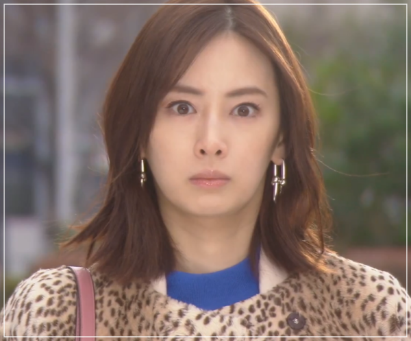家売るオンナの逆襲[4話]北川景子のファッション!ネックレスにニット3