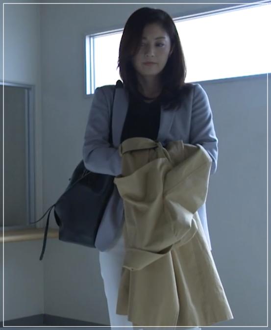 グッドワイフ[2話]常盤貴子の魅力のファッション!コートにバッグも31