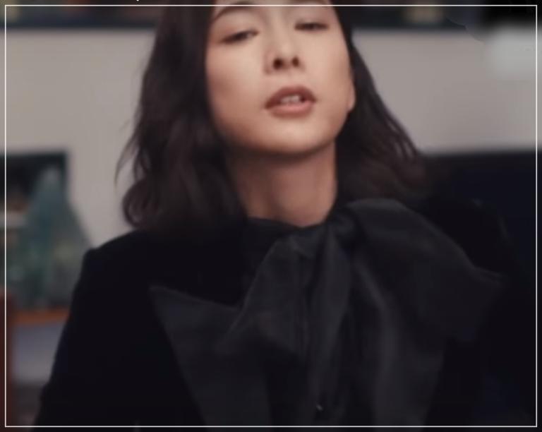 QUEEN[3話]竹内結子のモテるファッション!ブシュロンにネックレスも4