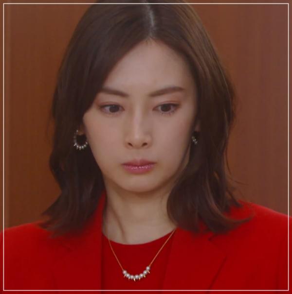 家売るオンナの逆襲[4話]北川景子のファッション!ネックレスにニット4