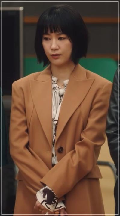 QUEEN[1話]水川あさみの衣装!モテるファッションブランドは?8
