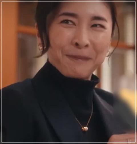 スキャンダル専門弁護士QUEEN[6話]竹内結子の衣装!ネックレスやニット1