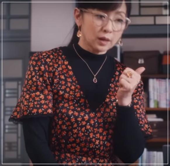スキャンダル専門弁護士QUEEN[8話]斉藤由貴の衣装!ピアスにネックレス11