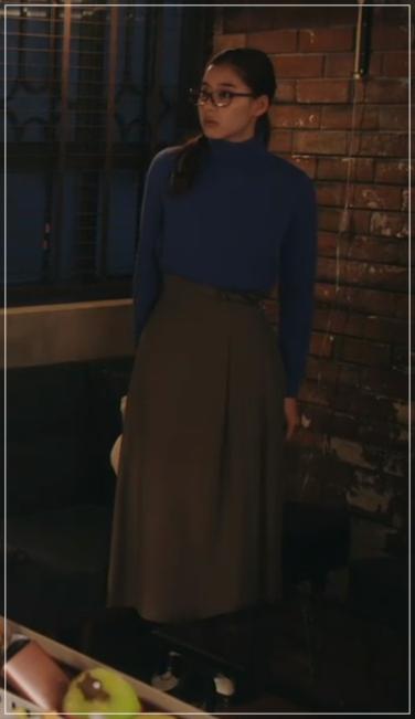 トレース[7話]新木優子の衣装!トレーナーにドクターマーチンも!17