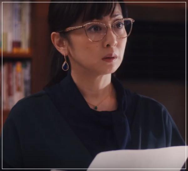 スキャンダル専門弁護士QUEEN[7話]斉藤由貴ドラマの衣装!メガネにスカート17