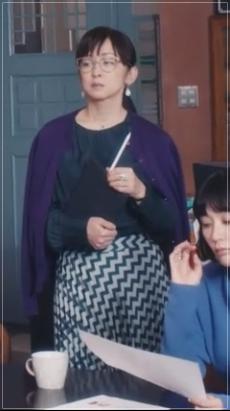 スキャンダル専門弁護士QUEEN[6話]斉藤由貴の衣装!メガネにピアスも21