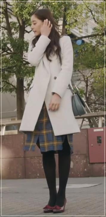 トレース[5話]新木優子の衣装のブランド!パーカーに靴にワンピース4