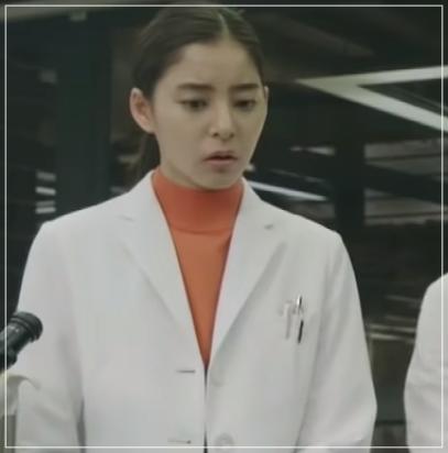 トレース[7話]新木優子の衣装!トレーナーにドクターマーチンも!7