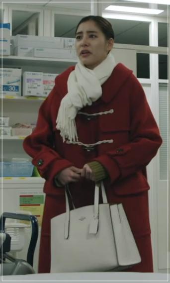トレース[6話]新木優子の衣装のコーデ!タートルネックにピアスも!9