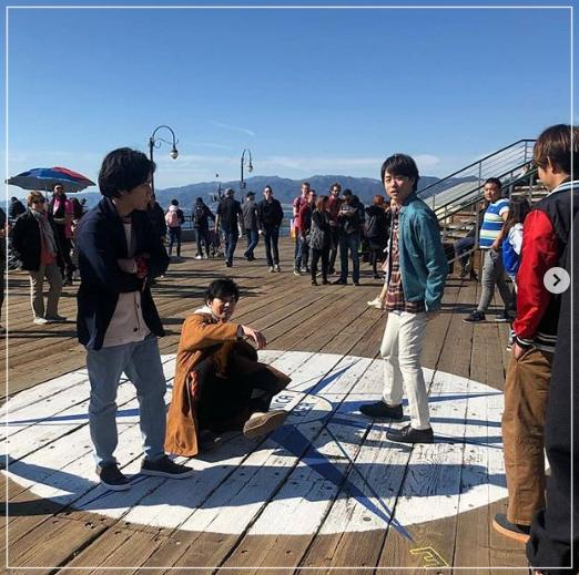 嵐がグラミー賞!ロサンゼルスの5人の目撃画像!タキシード姿は!?arashi1-1