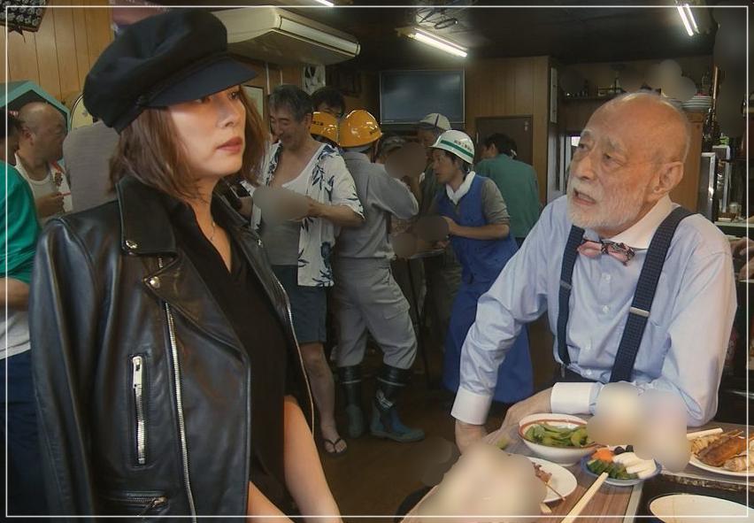 松本清張「疑惑」米倉涼子のかっこいい衣装!ジャケットにネックレスもgiwa4