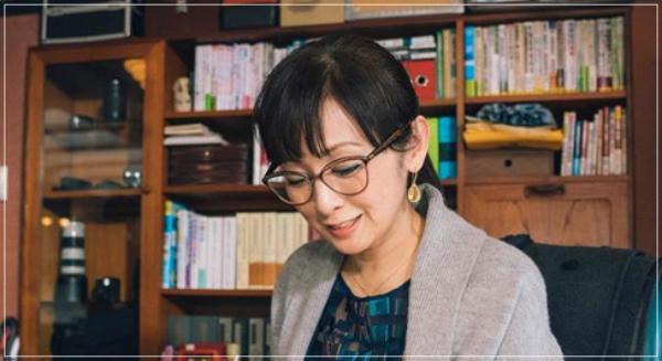 スキャンダル専門弁護士QUEEN[6話]斉藤由貴の衣装!メガネにピアスもuenoname