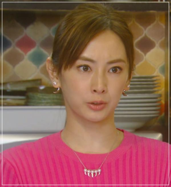 家売るオンナの逆襲[9話]北川景子のドラマの衣装!ピアスにコートも17