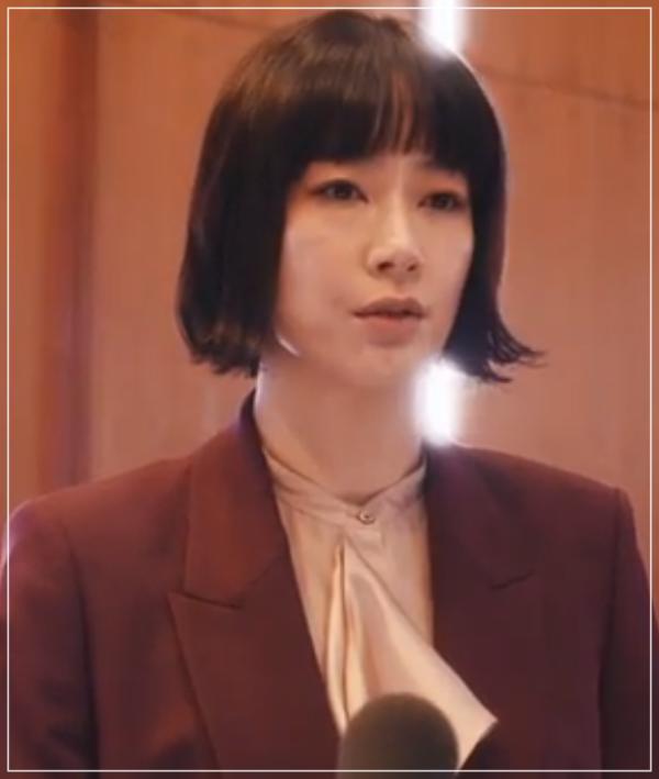 QUEEN[10話]水川あさみのドラマのファッション!指輪にコートやバッグ2