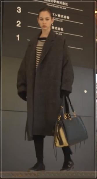 グッドワイフ[8話]水原希子のドラマの衣装!ピアスにバッグやコート21