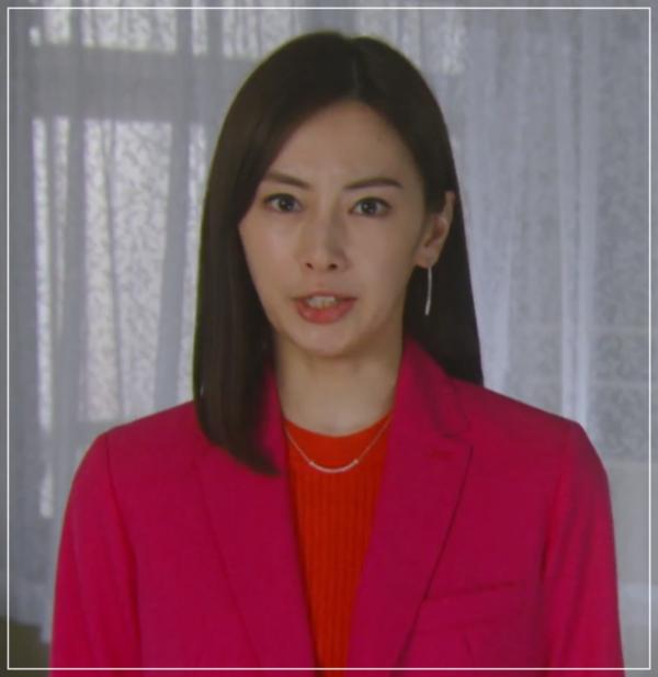 家売るオンナの逆襲[10話]北川景子の衣装!バッグやコートにマフラー24