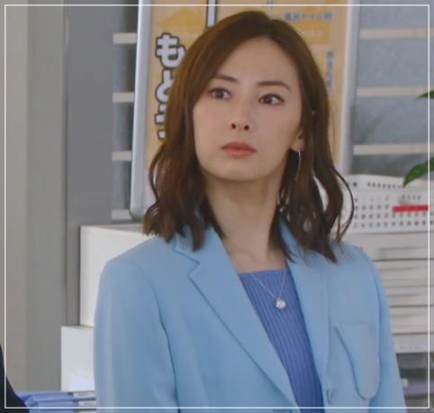 家売るオンナの逆襲[9話]北川景子のドラマの衣装!ピアスにコートも26