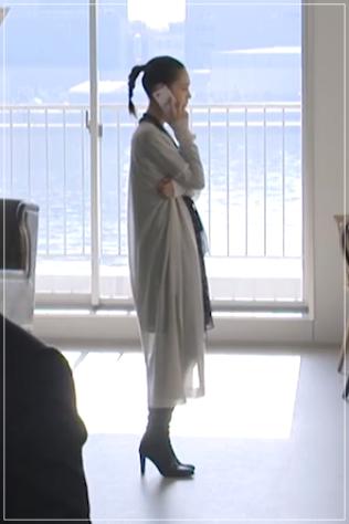 グッドワイフ[8話]水原希子のドラマの衣装!ピアスにバッグやコート29
