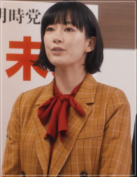 QUEEN[10話]水川あさみのドラマのファッション!指輪にコートやバッグw9
