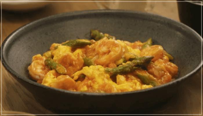 きのう何食べた?12話(最終回)レシピ!アスパラと卵入りのエビチリ1