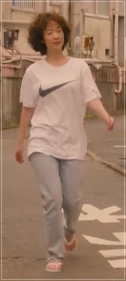 凪のお暇/黒木華の衣装!Tシャツにジーンズやブラウス!スニーカーも