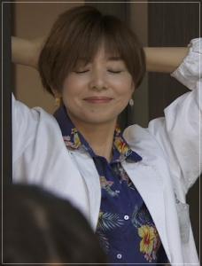 監察医朝顔/山口智子の衣装!パンツやトップス!ピアスや靴に小物も