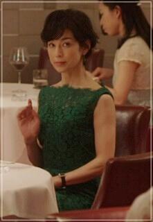 スーツ2/SUITS【3話】鈴木保奈美の衣装!ワンピースやブレスレットやベルトも2