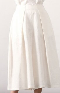 監察医朝顔2【4話】上野樹里の衣装!ブラウスやスカートにバッグ2
