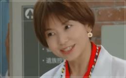 監察医朝顔2・山口智子の衣装!ピアスやイヤリングなどファッション・ブランド