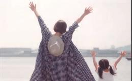 監察医朝顔2【3話】上野樹里の衣装!洋服やバッグにリュック!結婚指輪