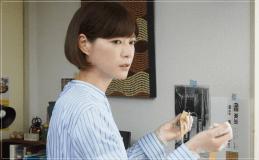 監察医朝顔2【4話】上野樹里の衣装!ブラウスやスカートにバッグ
