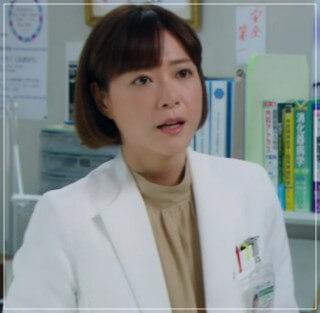監察医朝顔2【3話】上野樹里の衣装!洋服やバッグにリュック!結婚指輪 10