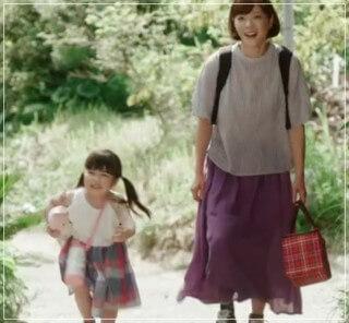監察医朝顔2【4話】上野樹里の衣装!ブラウスやスカートにバッグ11