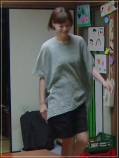 監察医朝顔2【6話】上野樹里の衣装!シャツやブラウスなど洋服やバッグ4