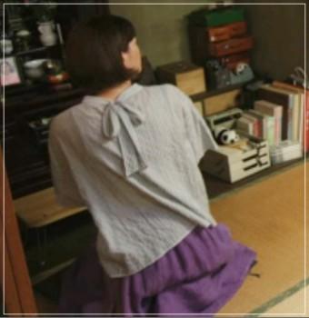 監察医朝顔2【5話】上野樹里の衣装!スカートやワンピースにスニーカー5